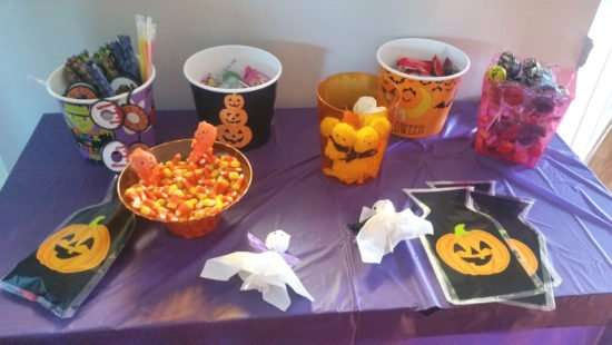 great affordable ideas for candy table for Halloween party